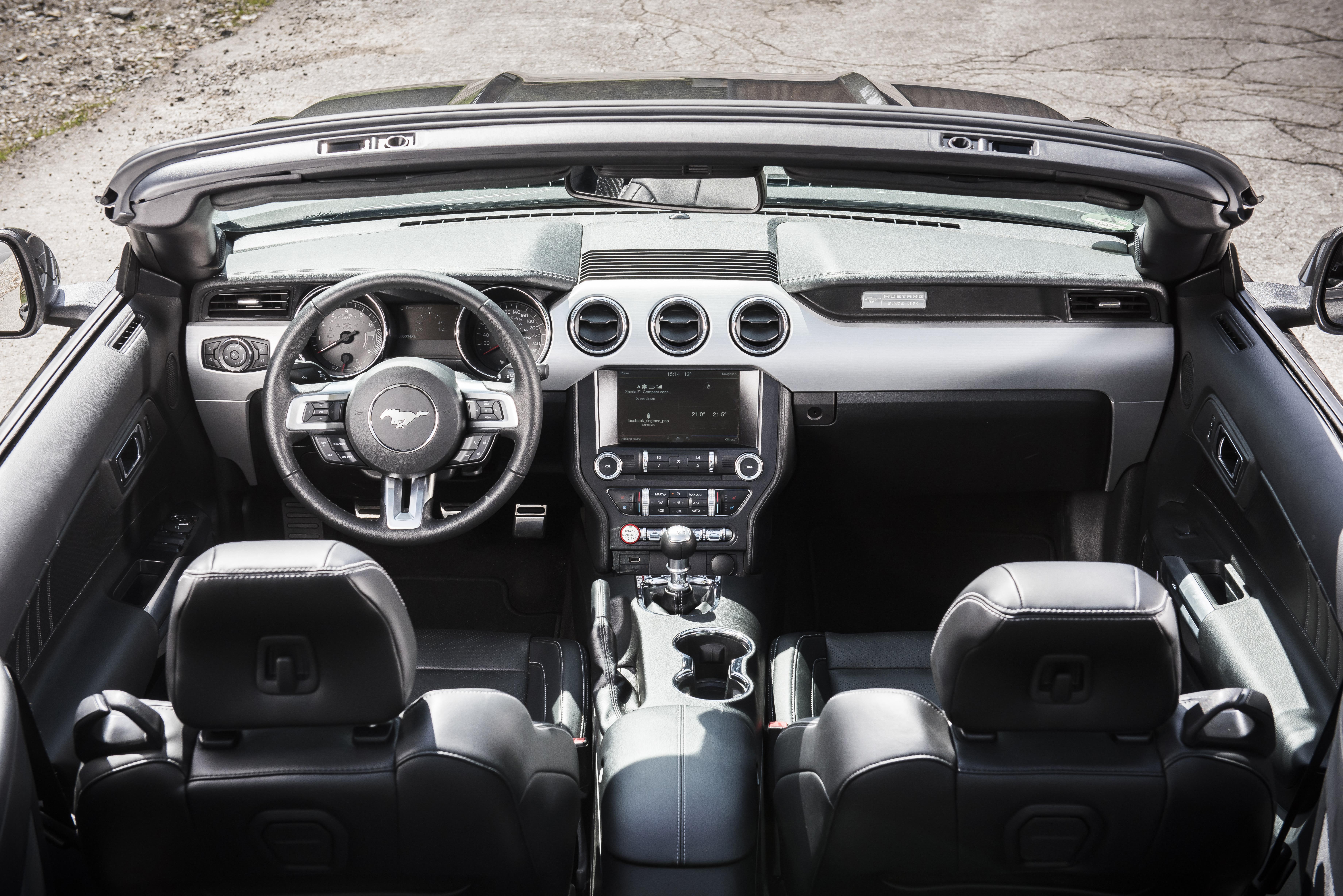 Tableau de bord de la Ford mustang V8 GT de 2016