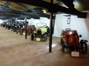 Le musée de voitures à château Carbonnieux