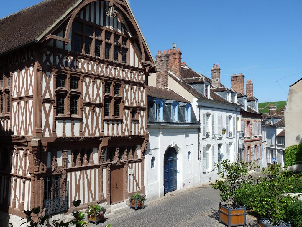 Dans le vieux Joigny,la maison du bailly du XVI ème
