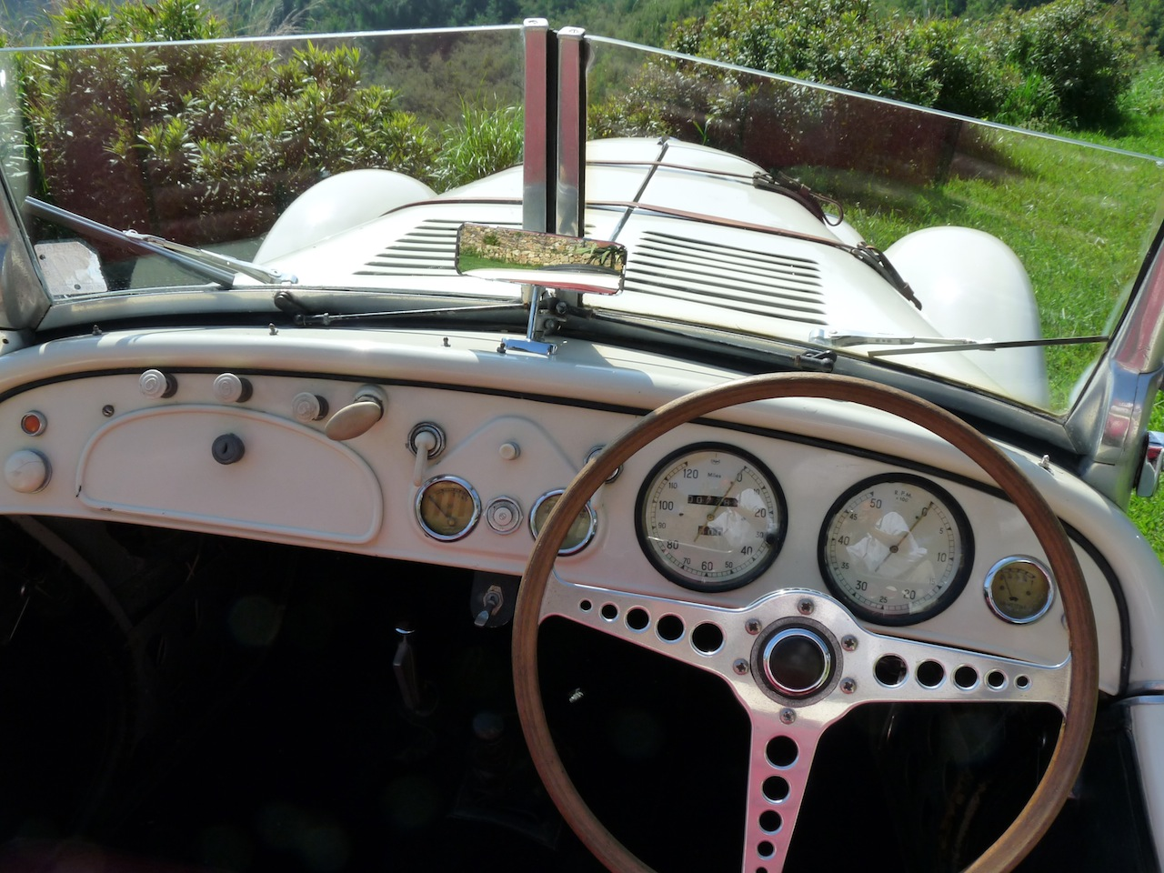 BMW 328 de 1937 à château volterra