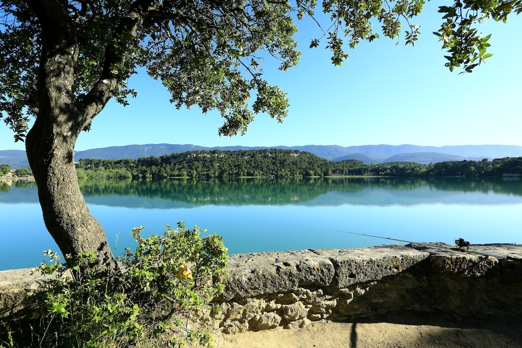 Le grand étang de la Bonde (Photo Luberon-Côté sud)