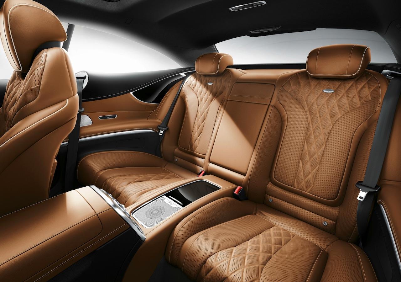 Mercedes-Benz S-Klasse, S 500 Coupé 4MATIC, Lack: Smaragdgrün metallic, Ausstattung: designo Leder Exklusiv sattelbraun/schwarz, Zierteil Wurzelnuss braun ; Mercedes-Benz S-Class, S 500 Coupé 4MATIC, interior;