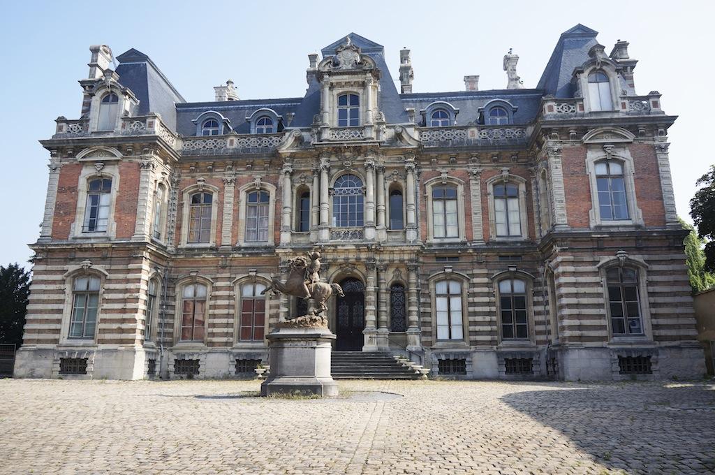 Le château Perrier construit au XIX ème pour le paropriétaire de la marque de champagne du même nom.