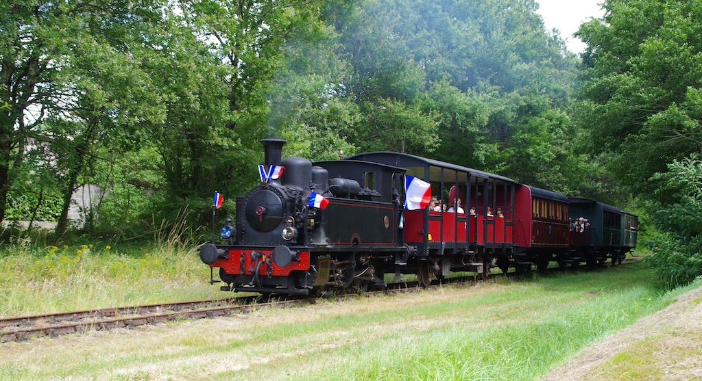 Guitres-Train touristique-CCordonatto-CATY1189 - copie
