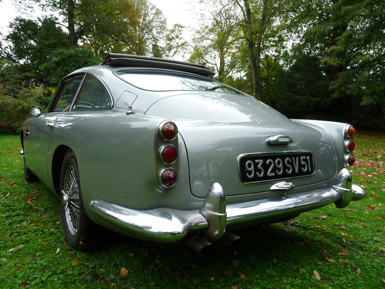 Aston Martin DB 4 du cognac château de Plassac
