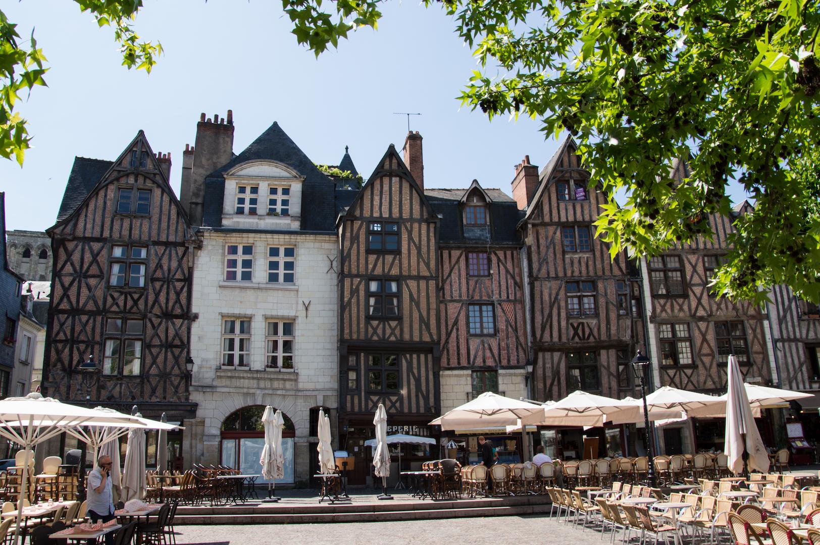 La place Plumereau dans le vieux Tours (Photo Anaïs-Dutour)