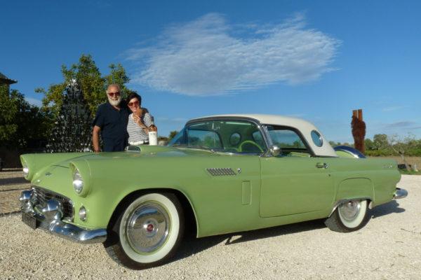 Une Ford Thunderbird au rosé du Luberon