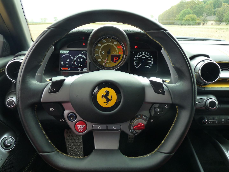 Ferrari 812 Superfast et super bellissima