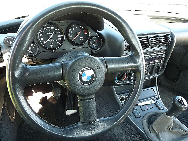 Un sacré millésime à Chinon, le BMW Z1