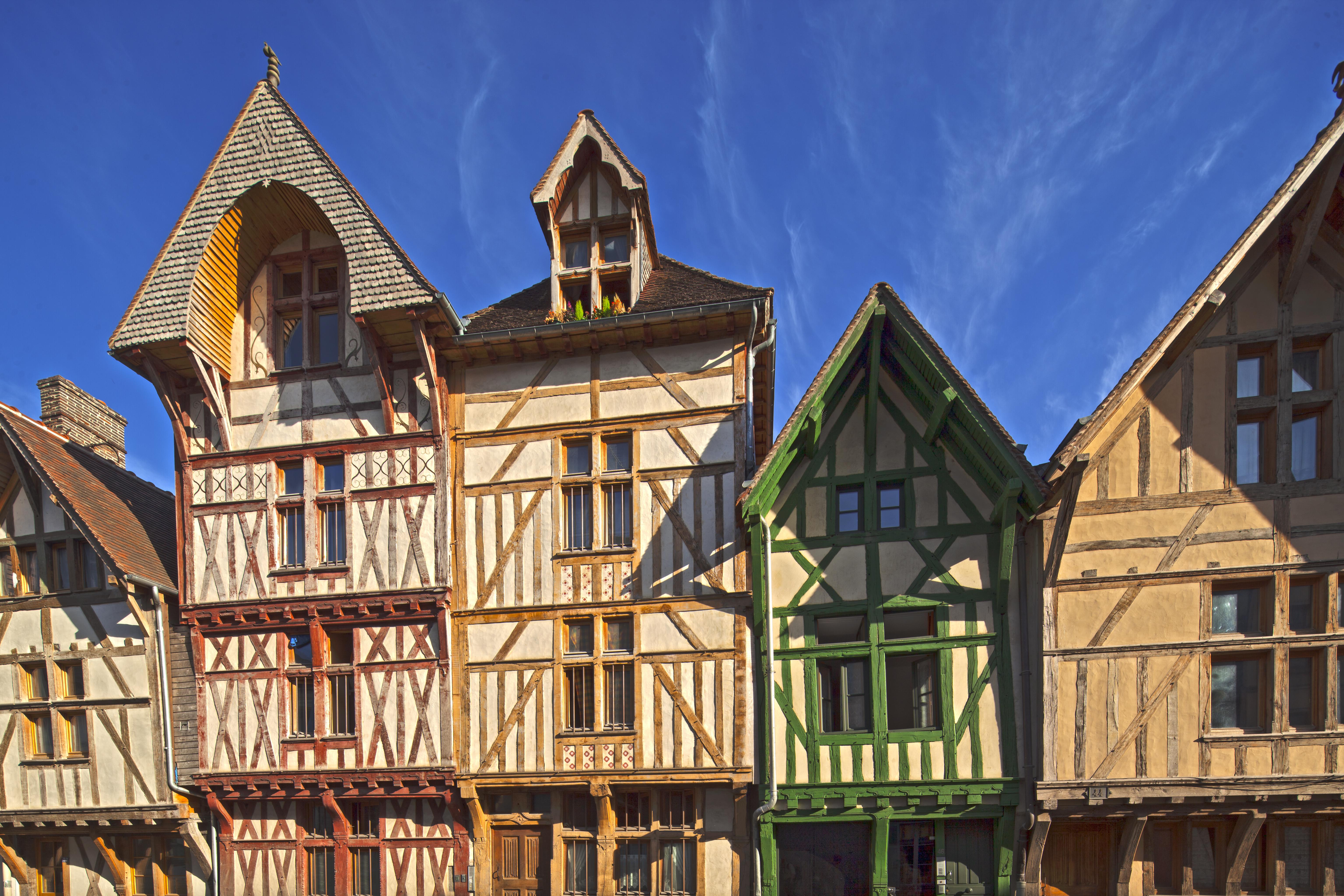 Vieilles maisons à pans de bois à Troyes