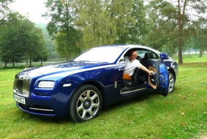Le coupé Rolls Wraith se la joue sport