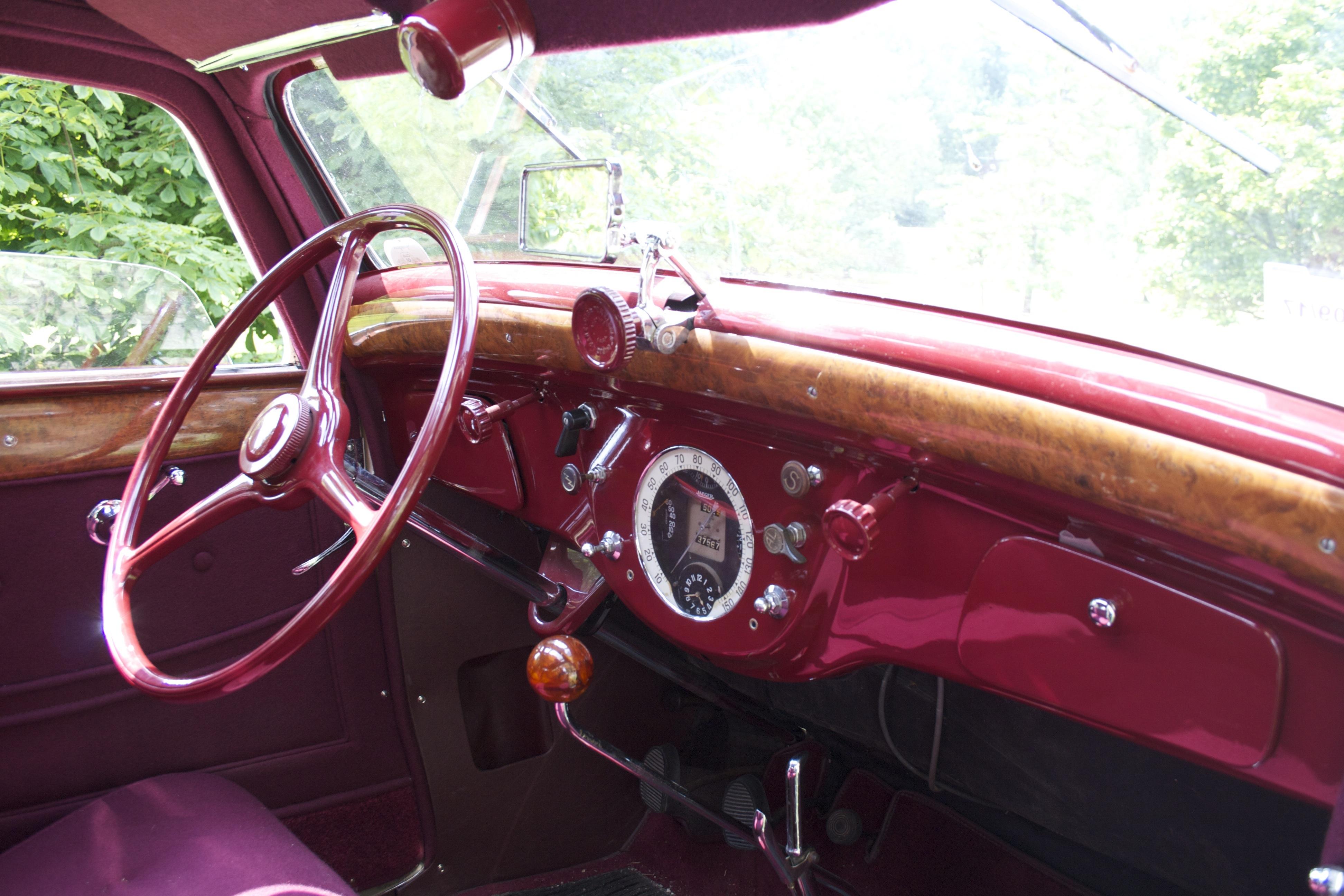 Peugeot 601 DL coach aerodynamique de 1935