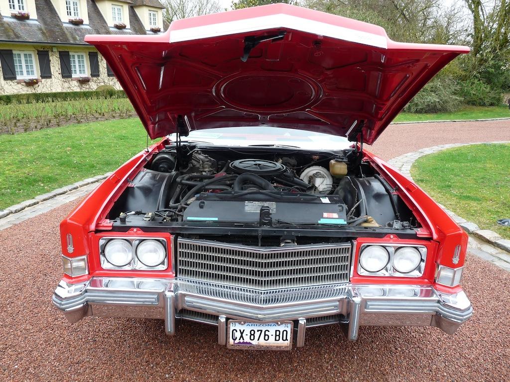 Dosy Lecomte et ses fils dans leur Cadillac Eldorado en Champagne