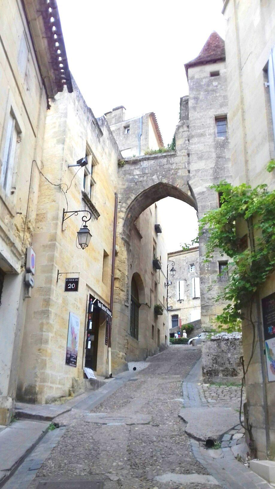 La porte Cadène en haut de Saint Emilion