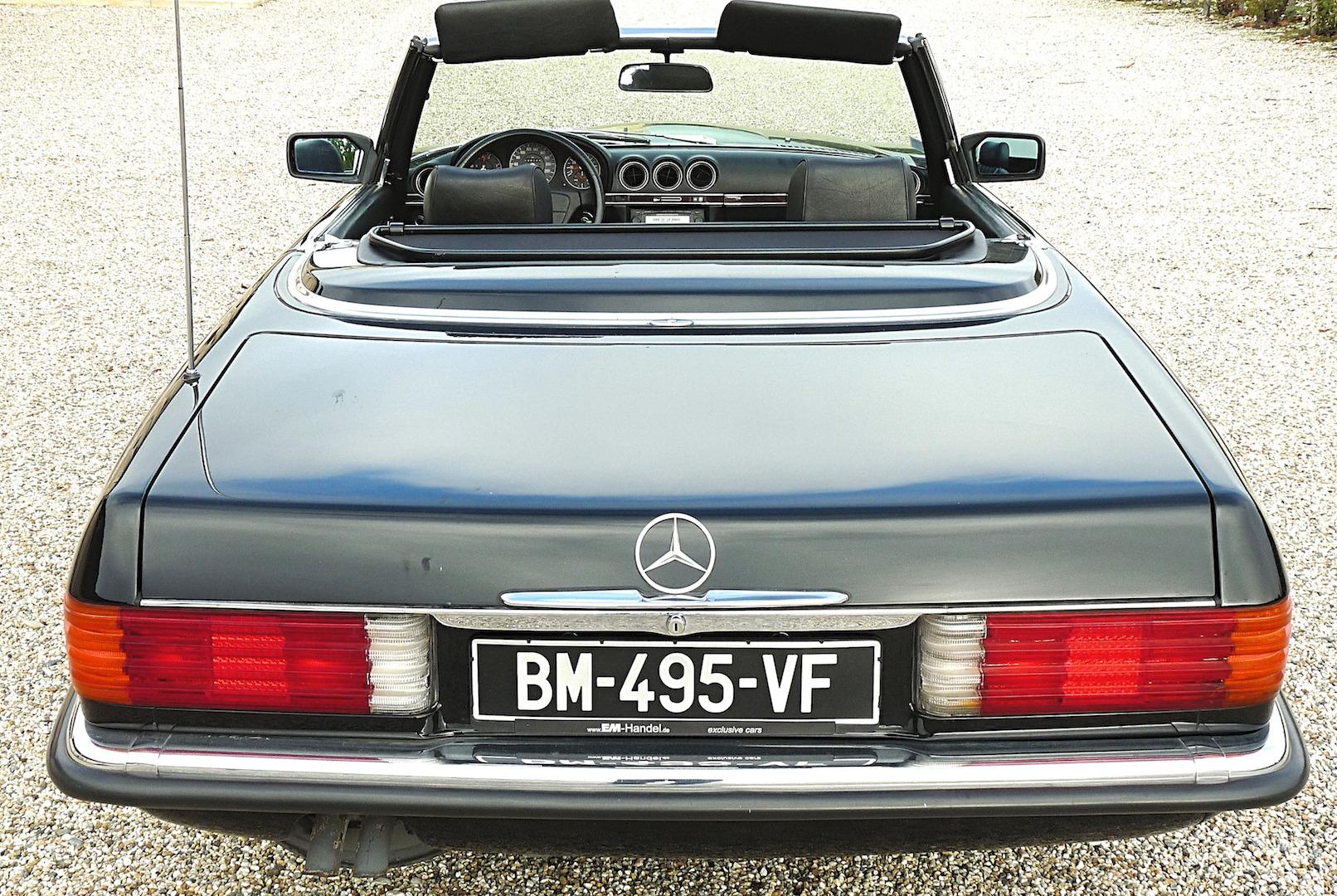 Une Mercedes 300SL chez un grand du Médoc