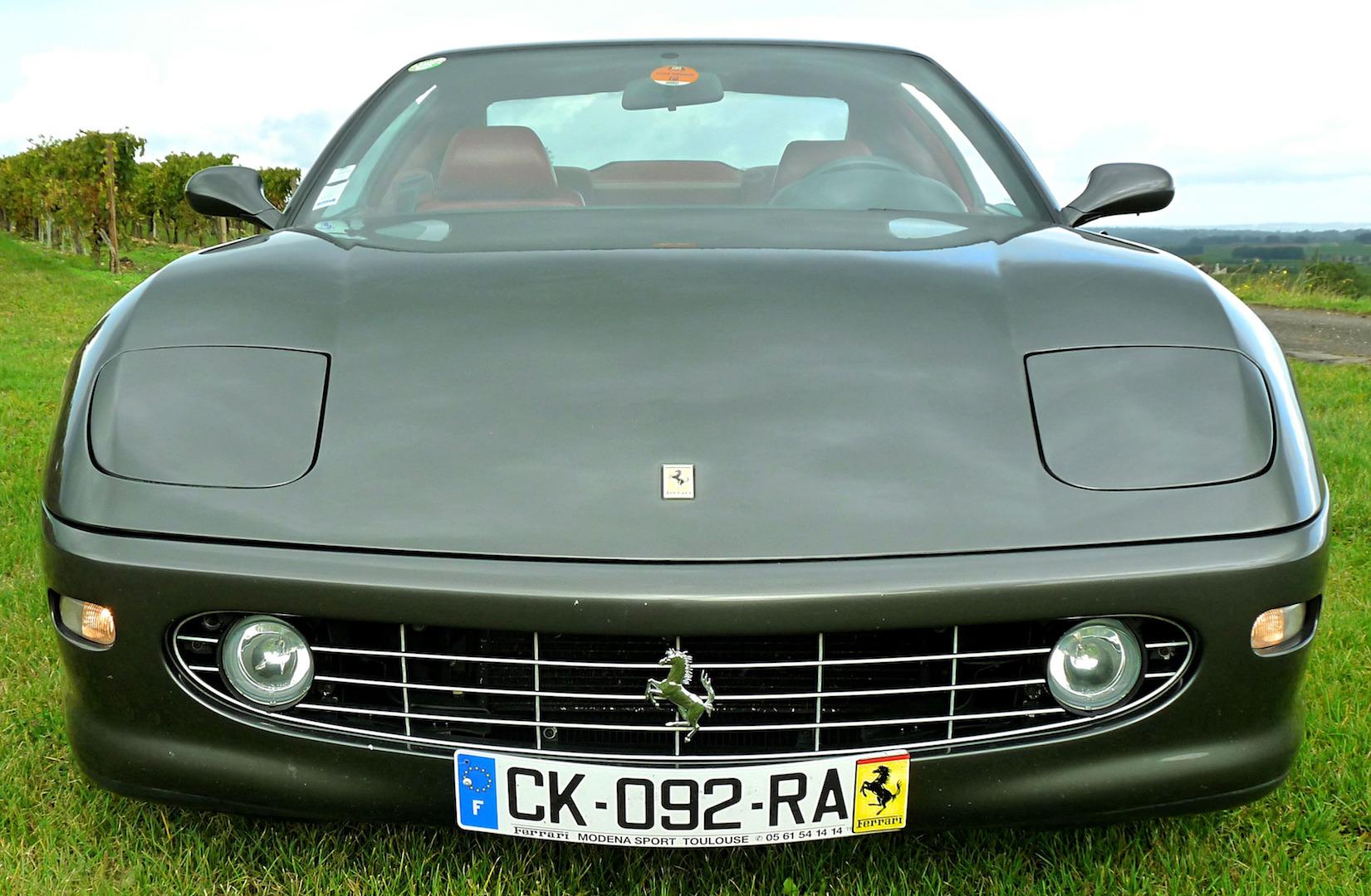 Ferrari 456 MGT face avant