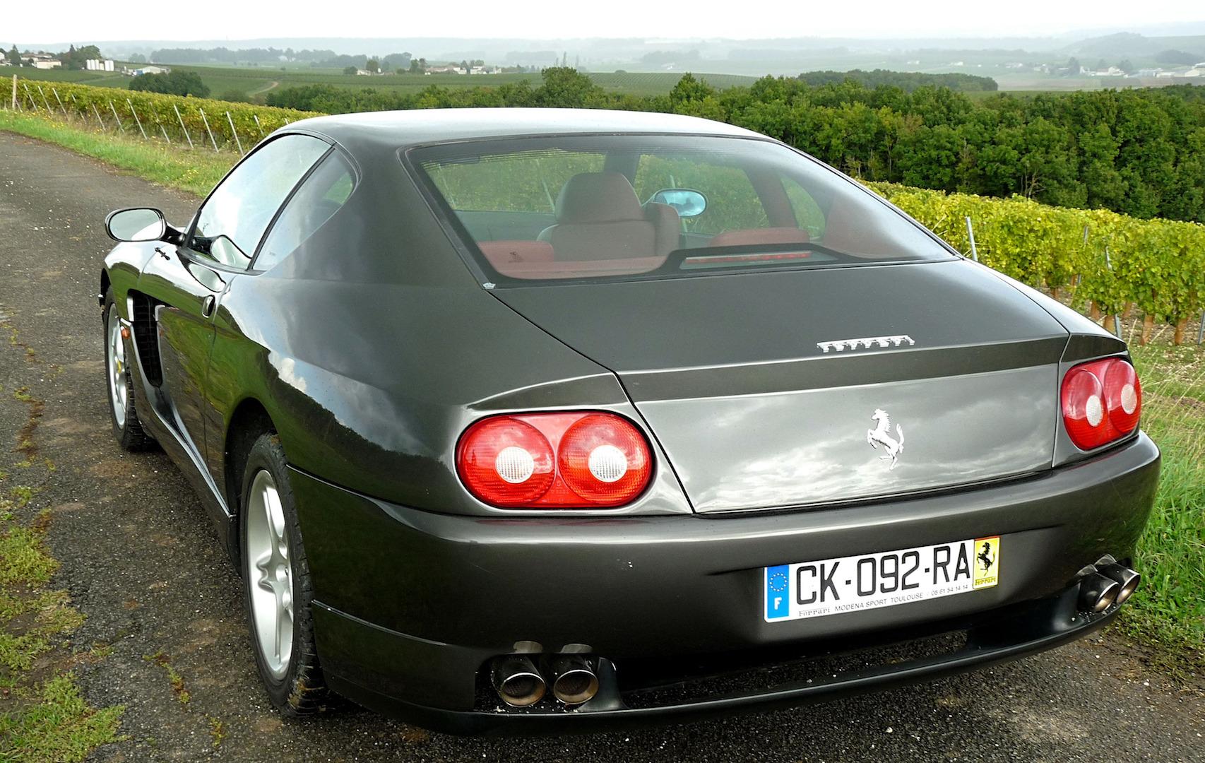 Une Ferrari 456 MGT 3/4 AR