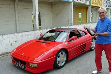 Champagne pour une Ferrari 348 TS