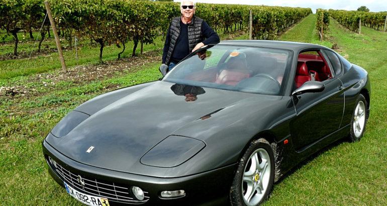 Une Ferrari 456 MGT dans les vignes du cognac