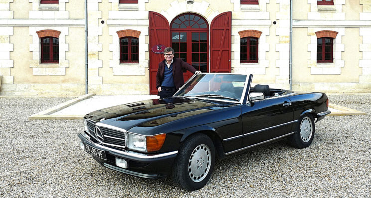 Une Mercedes 300 SL chez un grand du Médoc