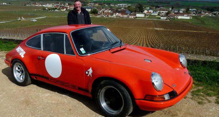 Un fana de Porsche 911 à Vosne-Romanée