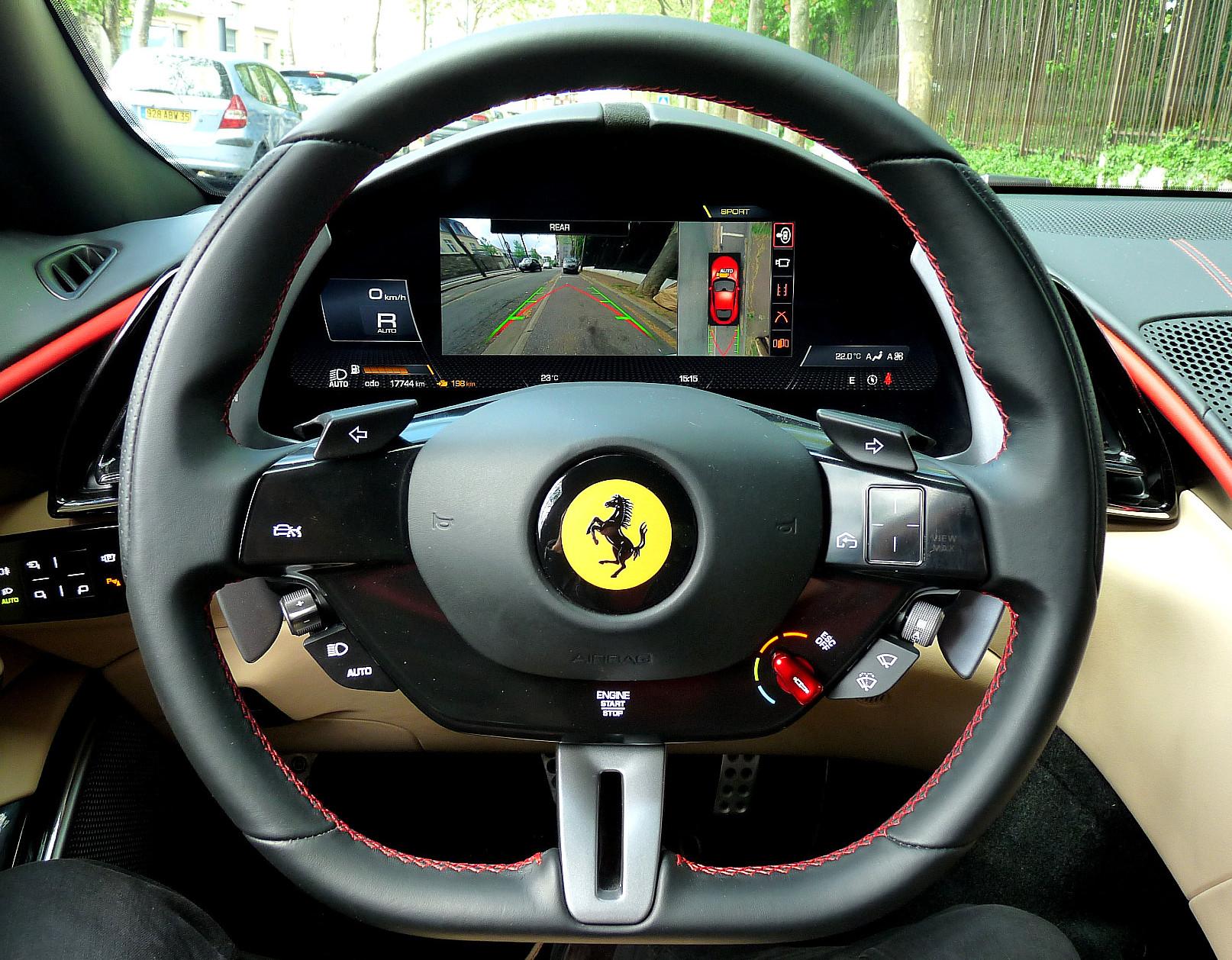Volant Ferrari Roma